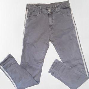 Melly & Co Embellished Jeans